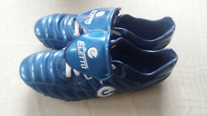 ELETTO SOCCER CLEATS USED ONCE