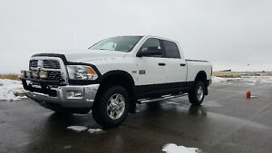 2010 Dodge Ram 2500 SLT fully loaded Pickup Truck