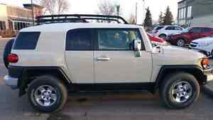 FJ Cruiser loaded excellent condition.