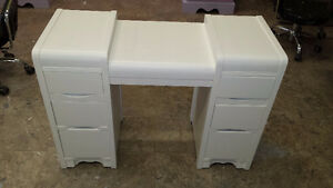 3 professionally painted desks.$ 129 each Kitchener / Waterloo Kitchener Area image 3