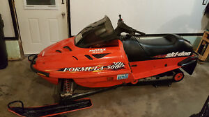 Skidoo Formula 500 In Excellent Shape For Sale