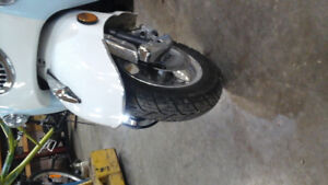 FOR SALE A 2014 BENZHOU SCOOTER 150CC ASKING $4500.00 DOLLARS.