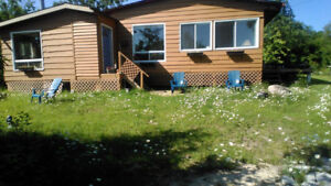 Cottage Rent/Rental (3 minute walk to beautiful sandy beach)