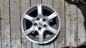 4 Nissan 16 inch alloy rims