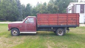 1986 Ford F-350 Dump Truck