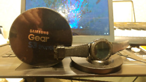 Samsung Gear S3 frontier lightly used  $400