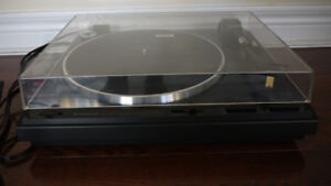 Pioneer PL-560 Vinyl Record Direct-Drive Automatic Turntable