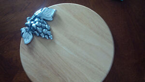 Grape Accent Wooden Board - for sale ! Kitchener / Waterloo Kitchener Area image 3