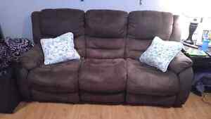 Reclining couch/sofa and reclining chair with 2 end tables