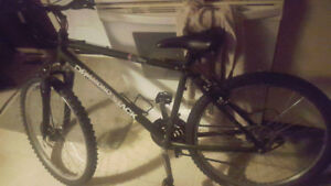 .Dimiond back mountain bike great for male or female