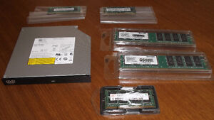 RAM Modules, DVD-ROM Drive / Modules RAM, lecteur DVD-ROM
