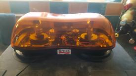 Britax 12v twin rotating amber lightbar