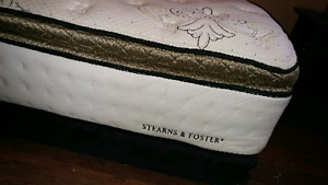 Queen Pillow top with box spring Stearns & Foster