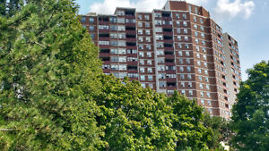 Beautiful and Large 3 + 1 Bedroom Available in Etobicoke!