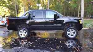 2008 Chevy Avalanche  London Ontario image 2