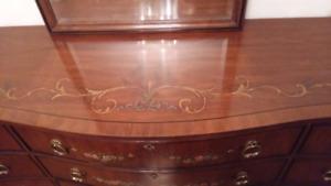 Drexel queen size bedroon suite