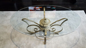 Stunning traditional coffee and end table - AWESOME condition!