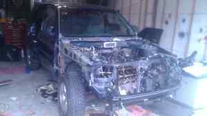 03 ESCAPE V6 SELECT 4WD 03 ONLY YEAR FOR THIS FEATURE!!!