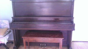Piano antique Amherst Little Princess