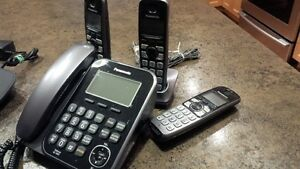 Panisonic Digital Cordless Answering System with 3 handsets Regina Regina Area image 1