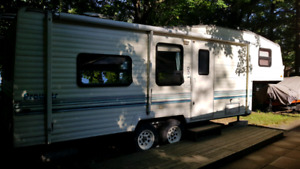 Roulotte fifth wheel 27.5 pieds