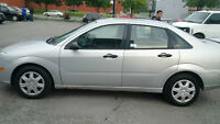 2006 Ford Focus Sedan.AUTO, A/C , HEATED SEAT, POWER DOORS AND