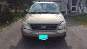 2005 FORD FREESTAR, SEVEN-SEATER VAN ( don't miss this deal!!! )