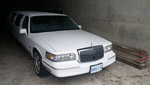 1998 Lincoln Town Car Limo