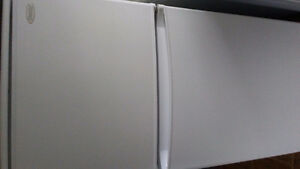 Barely Used Apartment Size Danby 10 cubic foot fridge