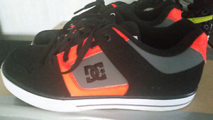 DC shoes almost new