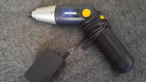 master craft pivoting screw driver like new! NEED GONE
