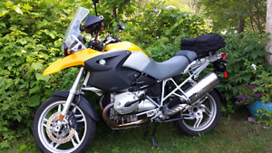 BMW R12OO  GS MINT CONDITION