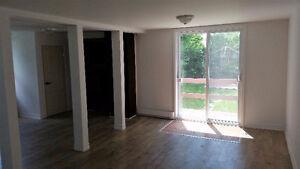 Superbe maison rénovée, garage, 2 étages, Valleyfield - 950$