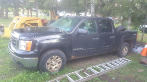 Parting out 2008 sierra crew cab 4x4
