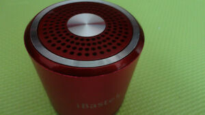 BRAND NEW MINI SPEAKER WITH FM RADIO/MP3/MP4 PLAYER 2GB,USE SD/U