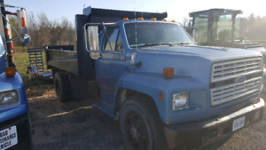1994 Ford F700 5.9 cummins
