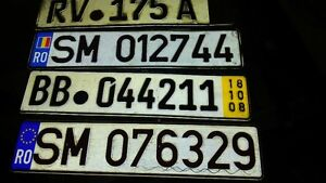 ..BUNCH OF OLDER CAR PLATES