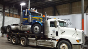 2001 Freightliner FL112 Day Cab - 430 hp C-12 + 96 FLD Deck tand