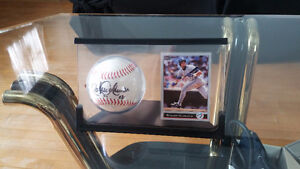 SELLING Roberto Alomar signed Baseball with card Kitchener / Waterloo Kitchener Area image 2
