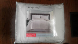 TWIN  XL   Reversible  Comforter