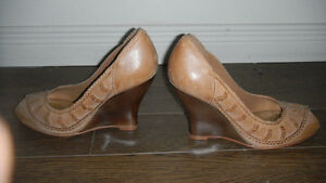New pair of pure leather shoes London Ontario image 3
