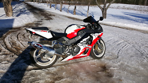 Rare 2001 cbr 929cc Erion racing edition