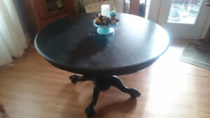 Round Solid Wood Dining Table