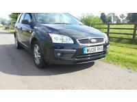 AUTOMATIC Ford Focus 1.6 2006 Ghia ESTATE Black VERY LOW MILEAGE 20k Drives 100%