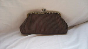 WOMAN'S CLUTCH PURSE Cornwall Ontario image 2
