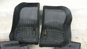 ALMOST NEW ** WeatherTech Floor Liner DigitalFit - Black