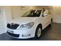 Skoda Octavia 1.6TDI CR ( 105bhp ) rare 4x4 estate white 2012 1 owner
