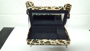 Leopard sofa jewelry box