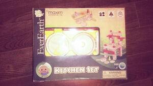 (Brand-new)EverEarth Baby Work Kitchen Set