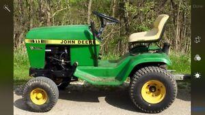 JOHN DEERE 111  Yard / Garden Tractor  Sarnia Sarnia Area image 1